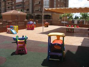 Panorámica de nuestro patio donde se realizan nuestras actividades de exterior.