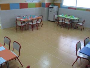 Imagen de nuestro comedor donde los peques disfrutan de nuestro menús elaborados en el centro.